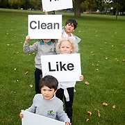 Children campaigning for more fresh air in Hackney, East London. Image only to be used in connection with the campaign.