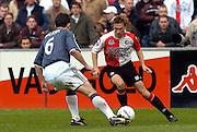 Photo: Gerrit de Heus. Rotterdam. 11/04/04..Feyenoord-Ajax. Gala?sek (L) en Thomas Buffel.