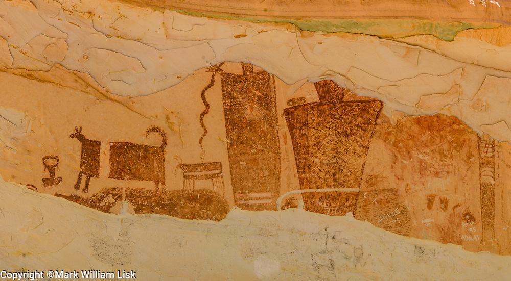 Temple Mountain Pictograph panel, San Rafael Swell, Utah.