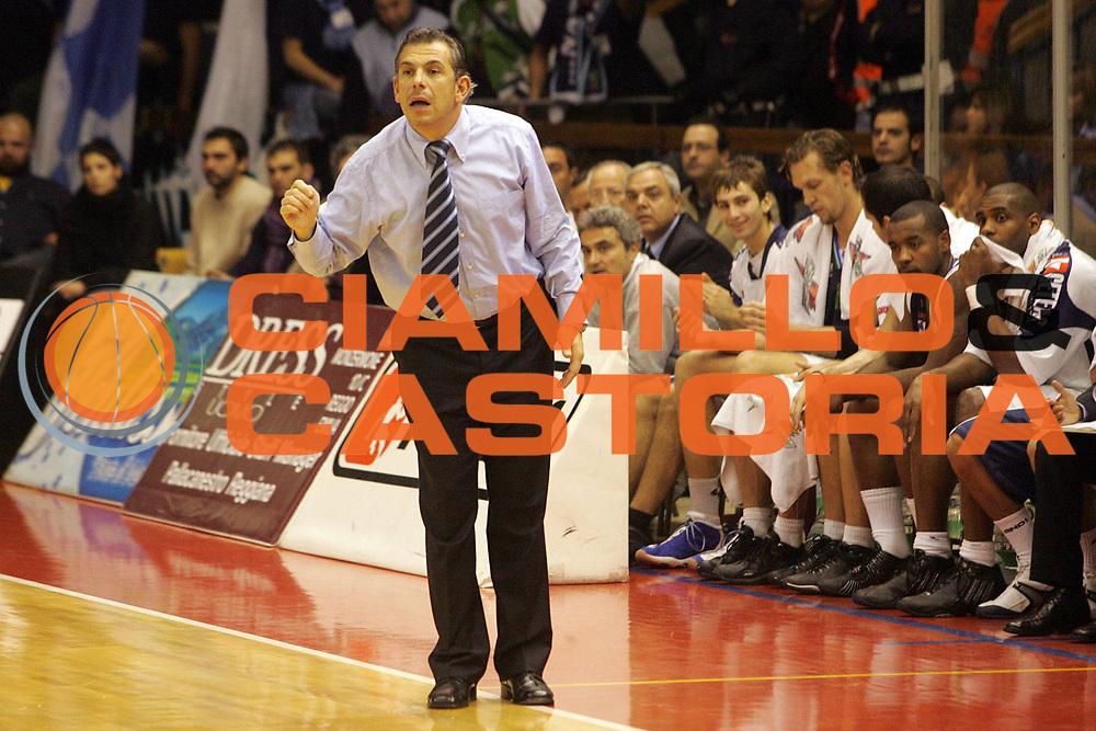 DESCRIZIONE : Reggio Emilia Lega A1 2005-06 Bipop Carire Reggio Emilia Roseto Basket <br /> GIOCATORE : Martelossi Team Roseto <br /> SQUADRA : Roseto Basket <br /> EVENTO : Campionato Lega A1 2005-2006 <br /> GARA : Bipop Carire Reggio Emilia Roseto Basket <br /> DATA : 27/11/2005 <br /> CATEGORIA : <br /> SPORT : Pallacanestro <br /> AUTORE : Agenzia Ciamillo-Castoria/Fotostudio 13
