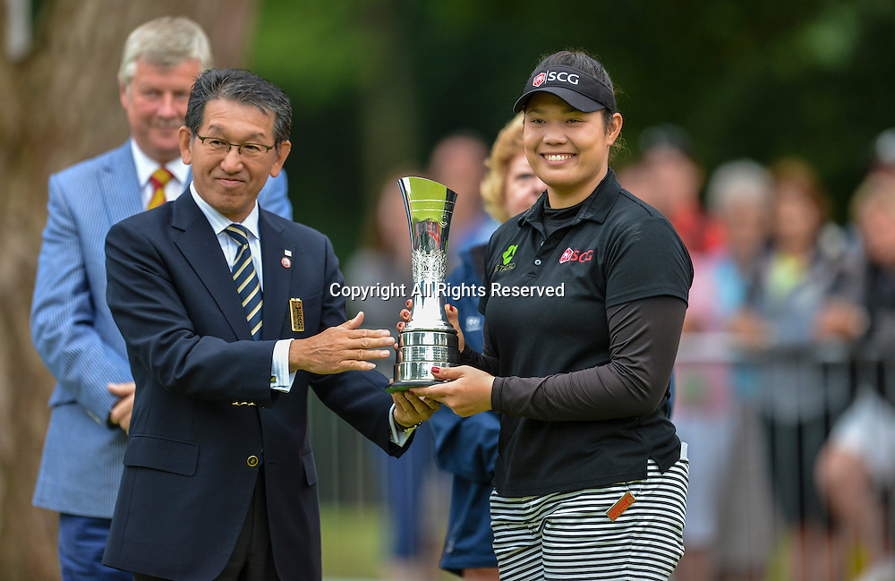 31.07.2016. Woburn Golf Course, Milton Keynes, England. Ricoh Womens Open Golf, final round. Arita Jutanugarn (Thailand) is awarded the 2016 British Womens Open Championship trophy.