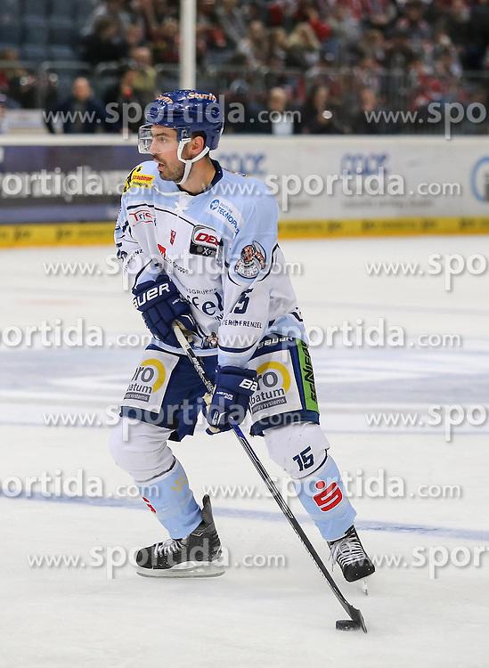 25.09.2015, Lanxess Arena, Koeln, GER, DEL, Koelner Haie vs Straubing Tigers, 5. Runde, im Bild vl. Steven Zalewski (Straubing Tigers) // during the German DEL Icehockey League 5th round match between Koelner Haie and Straubing Tigers at the Lanxess Arena in Koeln, Germany on 2015/09/25. EXPA Pictures &copy; 2015, PhotoCredit: EXPA/ Eibner-Pressefoto/ Horn<br /> <br /> *****ATTENTION - OUT of GER*****