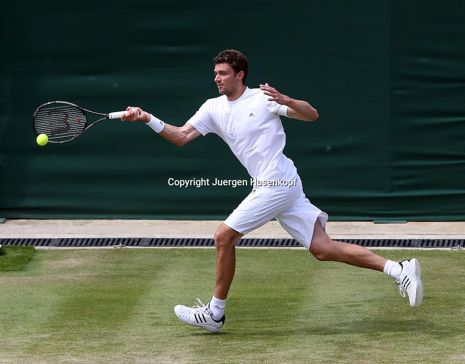 Wimbledon Championships 2013, AELTC,London,<br /> ITF Grand Slam Tennis Tournament,<br /> Daniel Brands (GER),Aktion,Einzelbild,<br /> Ganzkoerper,Querformat,von oben,