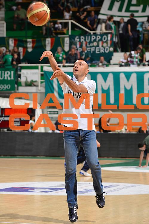DESCRIZIONE : Siena Lega A 2011-12 Montepaschi Siena Banco di Sardegna Sassari Semifinale Play off gara 2<br /> GIOCATORE : Stefano Sardara<br /> CATEGORIA : Curiosita<br /> SQUADRA : Banco di Sardegna Sassari<br /> EVENTO : Campionato Lega A 2011-2012 Semifinale Play off gara 2 <br /> GARA : EA7 Montepaschi Siena Banco di Sardegna Sassari Semifinale Play off gara 2<br /> DATA : 30/05/2012<br /> SPORT : Pallacanestro <br /> AUTORE : Agenzia Ciamillo-Castoria/R. Morgano<br /> Galleria : Lega Basket A 2011-2012  <br /> Fotonotizia :  Siena Lega A 2011-12 Montepaschi Siena Banco di Sardegna Sassari Semifinale Play off gara 2<br /> Predefinita :