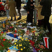 Bloemen moordplek Pim Fortuyn mediapark Hilversum, interview media