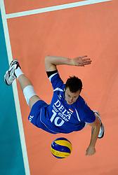 09-06-2013 VOLLEYBAL: WORLD LEAGUE NEDERLANDS - JAPAN: APELDOORN<br /> Nederland wint met 3-0 van Japan / Jeroen Rauwerdink<br /> ©2013-FotoHoogendoorn.nl
