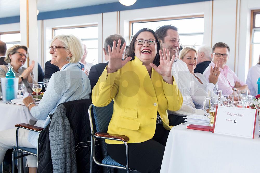 05 JUN 2018, BERLIN/GERMANY:<br /> Andrea Nahles, SPD Partei- und Fraktionsvorsitzende, lacht nach dem Hinweis von Johannes Kahrs, sie könne Mitglied bei den Seeheimern werden, Spargelfahrt des Seeheimer Kreises der SPD, Anleger Wannsee<br /> IMAGE: 20180605-01-110<br /> KEYWORDS: Rede, speech