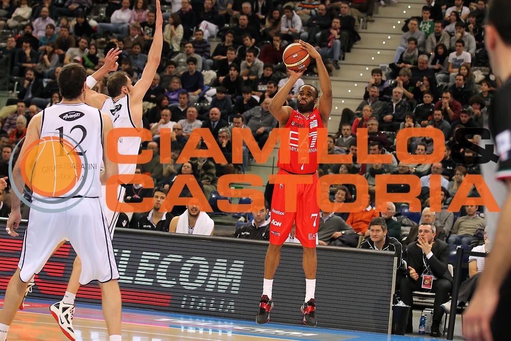 DESCRIZIONE : Torino Coppa Italia Final Eight 2012 Quarto di Finale EA7 Emporio Armani Milano Canadian Solar Bologna<br /> GIOCATORE : Malik Hairston<br /> SQUADRA : EA7 Emporio Armani Milano<br /> EVENTO : Suisse Gas Basket Coppa Italia Final Eight 2012<br /> GARA : EA7 Emporio Armani Milano Canadian Solar Bologna<br /> DATA : 16/02/2012<br /> CATEGORIA : tiro<br /> SPORT : Pallacanestro<br /> AUTORE : Agenzia Ciamillo-Castoria/ElioCastoria<br /> Galleria : Final Eight Coppa Italia 2012<br /> Fotonotizia : Torino Coppa Italia Final Eight 2012 Quarto di Finale EA7 Emporio Armani Milano Canadian Solar Bologna<br /> Predefinita :