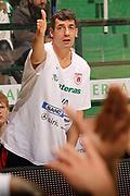DESCRIZIONE : Siena Lega A 2011-12 Montepaschi Siena Banca Tercas Teramo<br /> GIOCATORE : Gianluca Lulli<br /> CATEGORIA : ritratto proteste<br /> SQUADRA : Banca Tercas Teramo<br /> EVENTO : Campionato Lega A 2011-2012<br /> GARA : Montepaschi Siena Banca Tercas Teramo<br /> DATA : 22/01/2012<br /> SPORT : Pallacanestro<br /> AUTORE : Agenzia Ciamillo-Castoria/P.Lazzeroni<br /> Galleria : Lega Basket A 2011-2012<br /> Fotonotizia : Siena Lega A 2011-12 Montepaschi Siena Banca Tercas Teramo<br /> Predefinita :