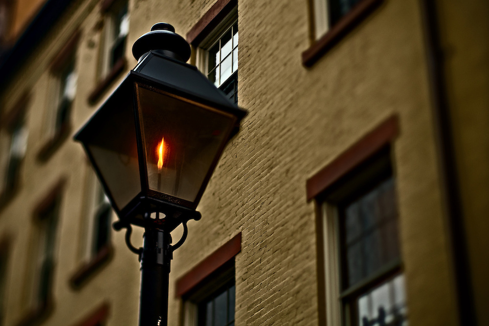 Gas street light in front of old rowhouse, Brooklyn Heights, Brooklyn, NY, US
