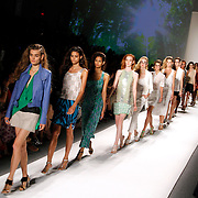 S/S 13 – Tracy Reese Runway