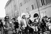 ROMA, ITALIA - 18 APRILE 2013: a Roma, Italy, il 18 april 2013.<br /> <br /> Le elezioni del presidente della Repubblica sono iniziate il 18 aprile 2013. Nelle prime 3 votazioni sono necessari 672 voti per eleggere il Presidente della Repubblica, ossia i due terzi dei 1007 componenti (630 deputati, 319 senatori e 58 rappresentanti delle regioni). Dalla quarta votazione in poi, sarà invece necessaria la maggioranza assoluta dell'assemblea, ossia 504 voti.