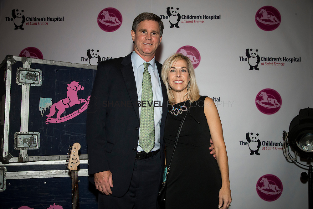 11/1/13 7:00:53 PM --- 2013 Painted Pony Ball for The Children's Hospital at Saint Francis with Chris Young and Dwight Yoakam. <br /> <br /> Photo by Shane Bevel