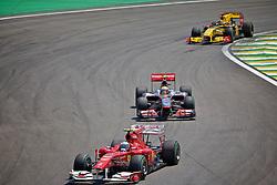 O piloto espanhol Fernando Alonso durante a primeira volta do Grande Prémio do Brasil de Fórmula 1, em Interlagos, São Paulo. FOTO: Jefferson Bernardes/Preview.com