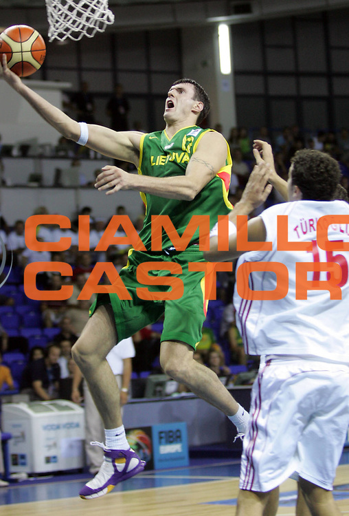 DESCRIZIONE : Podgorica Eurobasket Men 2005 Lituania-Turchia<br /> GIOCATORE : Ksistof Lavronic<br /> SQUADRA : Lituania Lithuania <br /> EVENTO : Eurobasket Men 2005 Campionati Europei Uomini 2005<br /> GARA : Lituania Turchia Lithuania Turkey<br /> DATA : 16/09/2005<br /> CATEGORIA :<br /> SPORT : Pallacanestro<br /> AUTORE : Ciamillo&amp;Castoria/Fiba Europe Pool