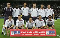 Fotball<br /> England v Tyskland<br /> 22.08.2007<br /> Foto: Witters/Digitalsport<br /> NORWAY ONLY<br /> <br /> Lagbilde England<br /> hinten v.l Paul Robinson, Micah Richards, Rio Ferdinand, John Terry, David Beckham, Frank Lampard<br /> vorne v.l. Michael Carrick, Nicky Shorey, Joe Cole, Alan Smith, Michael Owen<br /> Laenderspiel England - Deutschland
