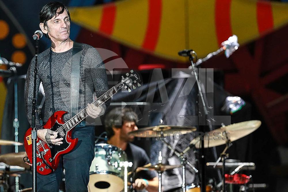 SÃO PAULO, SP - 24.02.2016: ROLLING-STONES -  Paulo Moklos da banda Titãs durante apresentação antes do show dos Rolling Stones, no estádio do Morumbi, na zona sul de São Paulo, na noite desta quarta-feira (24). (Foto: Vanessa Carvalho/Brazil Photo Press)
