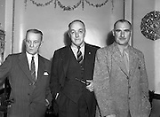 13/08/1952<br /> 08/13/1952<br /> 13 August 1952<br /> F.A.I. members at 80 Merrion Square, Dublin. (l-r) Larry Sheriden, F.A.I. (Munster); Jim Younger (Athletic Union League) and Lt. Col. Tommy Gunn F.A.I. (Army)