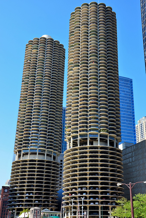 Marina City Twin Towers in Chicago, Illinois <br />