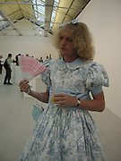 GRAYSON PERRY; Grace Perry. Saatchi Gallery reception. 29 May 2001. © Copyright Photograph by Dafydd Jones 66 Stockwell Park Rd. London SW9 0DA Tel 020 7733 0108 www.dafjones.com