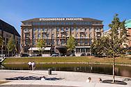 Europa, Deutschland, Duesseldorf, das Steigenberger Parkhotel an der Koenigsallee, Hofgarten.<br /> <br /> Europe, Germany, Duesseldorf, the Steigenberger Parkhotel on the street Koenigsallee, the park Hofgarten.
