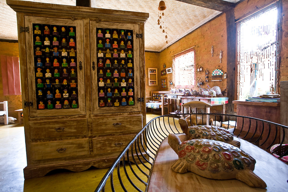 Prados_MG, Brasil...Artesanato em madeira em Vitoriano Veloso (Bichinho), Minas Gerais...Wooden handicraft at Vitoriano Veloso (Bichinho), Minas Gerais...Foto: JOAO MARCOS ROSA / NITRO