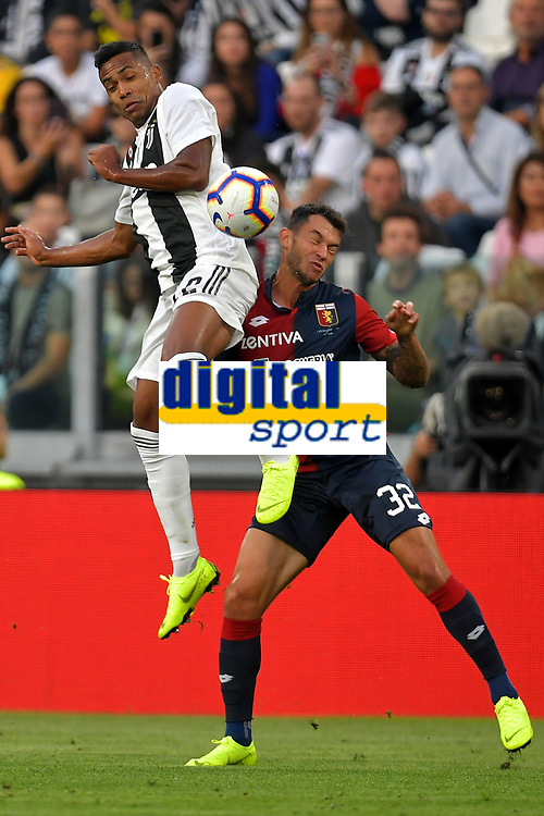 Alex Sandro of Juventus and Pedro Pereira of Genoa compete for the ball during the Serie A 2018/2019 football match between Juventus and Genoa CFC at Allianz Stadium, Turin, October, 20, 2018 <br />  Foto Andrea Staccioli / Insidefoto