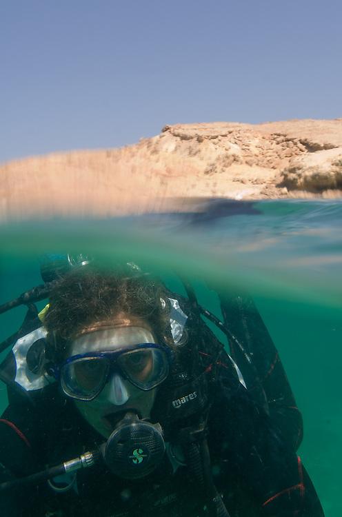 OMAN Sultanat; Arabische Halbinsel, Golf von Oman; Tourismus; Al Sawadi Beach Ressort, Daymaniyat Inseln,  Tauchschule, DIVING,  Emma Halliday, dive instructor.; Capital Area,  11.03.2008