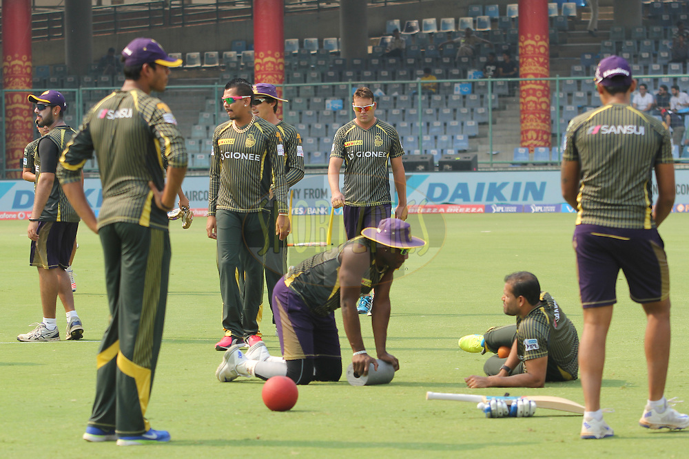 Kolkata Knight Riders players during warmup before match 26 of the Vivo IPL ( Indian Premier League ) 2016 between the Delhi Daredevils and the Kolkata Knight Riders held at The Feroz Shah Kotla Ground in Delhi, India,  on the 30th April 2016<br /> <br /> Photo by Arjun Singh / IPL/ SPORTZPICS