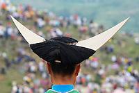 Chine. Province du Guizhou. Village des environs de Zhijin. Fete de l ete chez les Miao Longues Cornes. // China. Guizhou province. Around Zhijian. Long Horn Miao girls in traditional costumes celebrating summer Festival.