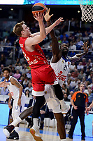 Real Madrid's Othello Hunter and Crvena Zvezda Mts Belgrade's Nate Wolters during Turkish Airlines Euroleague match between Real Madrid and Crvena Zvezda Mts Belgrade at Wizink Center in Madrid, Spain. March 10, 2017. (ALTERPHOTOS/BorjaB.Hojas)