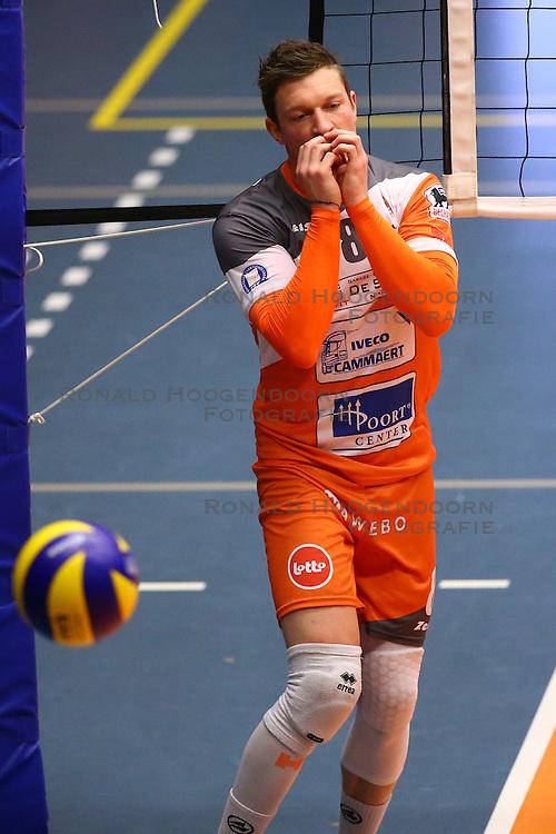20160402 BEL: Volleybal: Volley Lindemans Asse Lennik - Noliko Maaseik, Zellik  <br />Seppe Baetens
