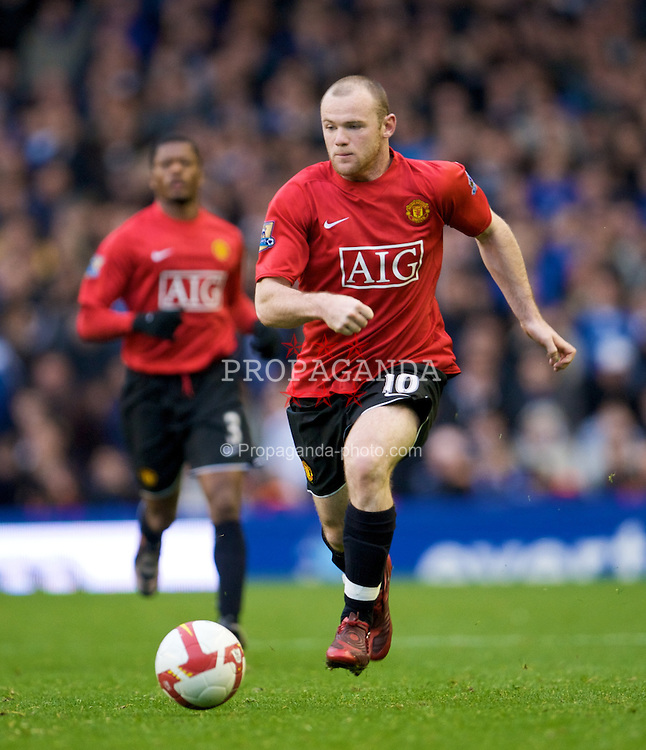 LIVERPOOL, ENGLAND - Saturday, October 25, 2008: Manchester United's Wayne Rooney in action against Everton during the Premiership match at Goodison Park. (Photo by David Rawcliffe/Propaganda)