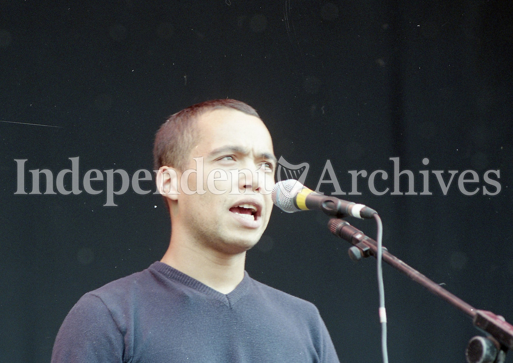 Finley Quaye on stage at Slane, 28/08/1998 (Part of the Independent Newspapers Ireland/NLI Collection).