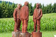 hölzerne Skulpturen, Bodenmais, Bayerischer Wald, Bayern, Deutschland | wooden sculptures, Bodenmais, Bavarian Forest, Bavaria, Germany