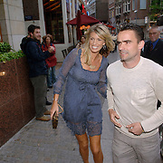 NLD/Amsterdam/20060520 - Huwelijk Edwin van der Sar en Annemarie van Kesteren, Mark Overmars en partner Chantal van Woensel