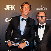 NLD/Amsterdam/20111029- JFK Greatest Man Award 2011, winnaar Edwin van der Sar en Willem Baars