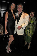 Bella Wright and Peter Stringfellow. fund raising dinner hosted  by Marco Pierre White and Franki Dettori at  Frankie's. Knightsbridge. 17 January 2004. ONE TIME USE ONLY - DO NOT ARCHIVE  © Copyright Photograph by Dafydd Jones 66 Stockwell Park Rd. London SW9 0DA Tel 020 7733 0108 www.dafjones.com