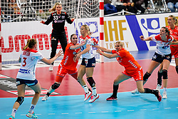06-12-2019 JAP: Norway - Netherlands, Kumamoto<br /> Last match groep A at 24th IHF Women's Handball World Championship. / The Dutch handball players won in an exciting game of fear gegner Norway and wrote in the last group match at the World Handball  World Championship history (30-28). / Laura van der Heijden #6 of Netherlands, Danick Snelder #10 of Netherlands, Stine Bredal Oftedal #10 of Norway