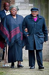 Archbishop Desmond Tutu und Ehefrau Nomalizo Leah Shenxane bei der Gedenkfeier für Prinz Johan Friso in der Alten Kirche in Delft / 021113<br /> <br /> ***Memorial service for prince Johan Friso at the Old Church in Delft, Netherlands, November, 2nd, 2013***