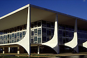 Brasilia_DF, Brasil...Palacio do Planalto, sede do Poder Executivo, localizado na Praça dos Tres Poderes, em Brasília, capital da Republica, Distrito Federal, projetado por Oscar Niemeyer. ..The Palacio do Planalto (Palace of the Highlands), headquarters of the Executive Branch of the Brazilian Government, located at the Praca dos Tres Poderes, in Brasília, Distrito Federal, Brazil, projected by Oscar Niemeyer...Foto: LEO DRUMOND / NITRO