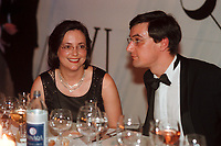 12 NOV 1999, BERLIN/GERMANY:<br /> Kerstin Müller, B90/Grüne Fraktionsvorsitzende, und Lebensgefährte Klaus Schrotthöfer, auf dem Bundespresseball 1999, Hotel Intercontinental<br /> Kerstin Mueller, Chairwomen of the green parliamentary group, and her friend Klaus Schrotthoefer at the Bundespresseball 1999<br /> IMAGE: 19991112-01/05-25<br /> KEYWORDS: ball, dance, Tanz, Frau, Freizeit, Gesellschaft, society