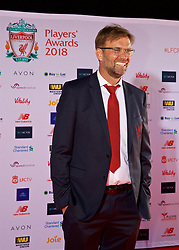 LIVERPOOL, ENGLAND - Thursday, May 10, 2018: Liverpool's manager Jürgen Klopp arrives on the red carpet for the Liverpool FC Players' Awards 2018 at Anfield. (Pic by David Rawcliffe/Propaganda)