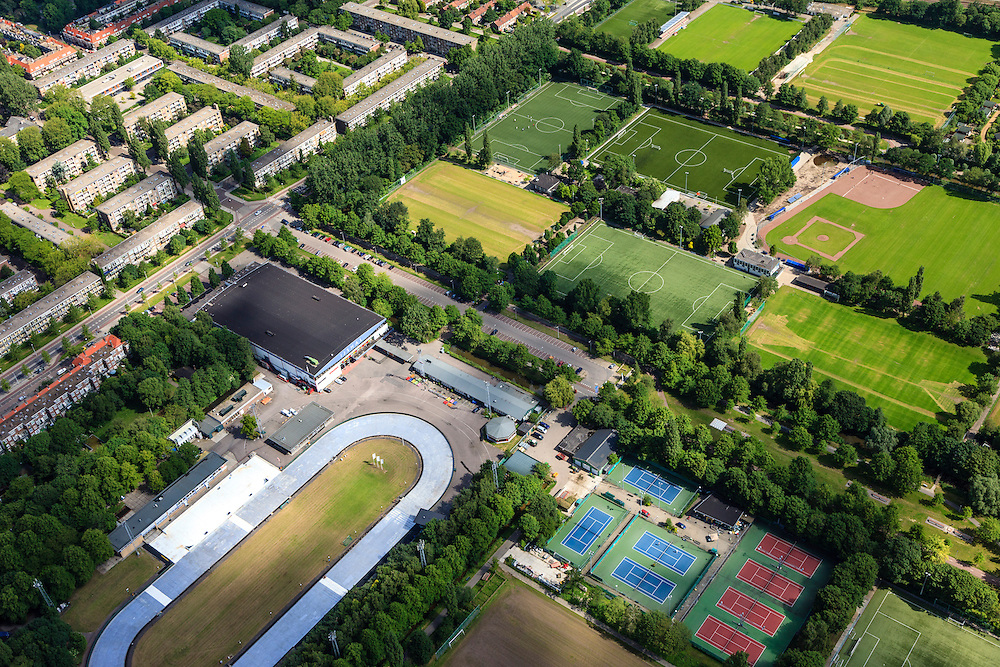Nederland, Noord-Holland, Amsterdam, 14-06-2012; Watergraafsmeer, Radioweg en sportpark Middenmeer, Jaap Edenbaan...Playing fields in the residential district Watergraafsmeer with the ice skating rink Jaap Edenbaan..luchtfoto (toeslag), aerial photo (additional fee required).foto/photo Siebe Swart