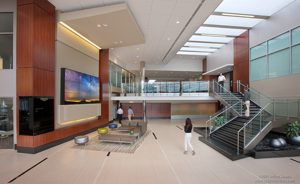 Architectural interior image of Hillcrest II Lobby at ArborCrest in Blue Bell Pennsylvania by Jeffrey Sauers of Commercial Photographics