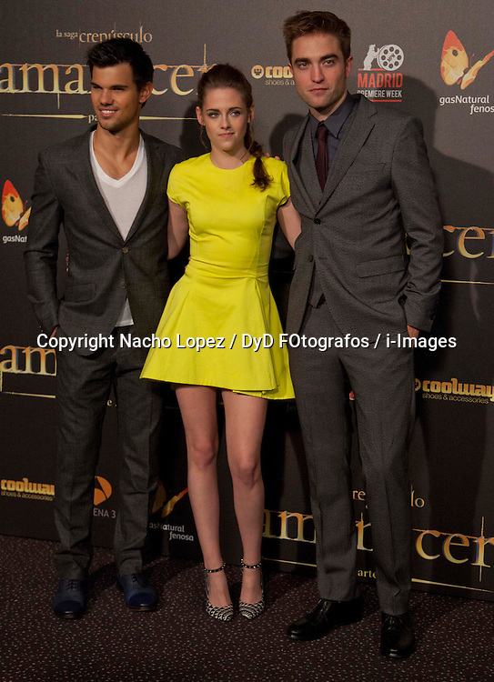 Taylor Lautner (L) Robert Pattinson (R), and actress Kristen Stewart (C) attend the Twilight II premiere, Madrid, Spain, November 15, 2012.  Photo by Nacho Lopez / DyD Fotografos / i-Images...SPAIN OUT