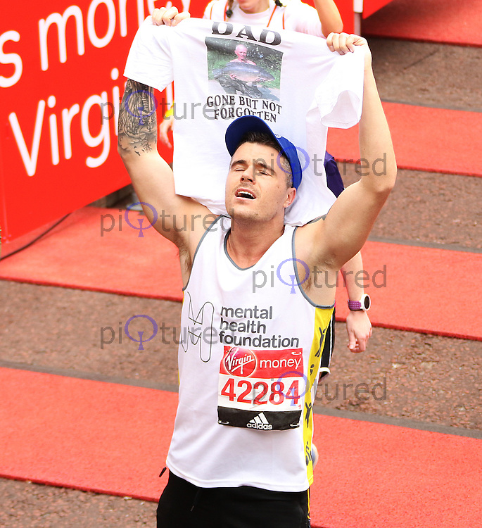 Daniel Coburn, Virgin Money London Marathon, London UK, 24 April 2016, Photo by Brett D. Cove