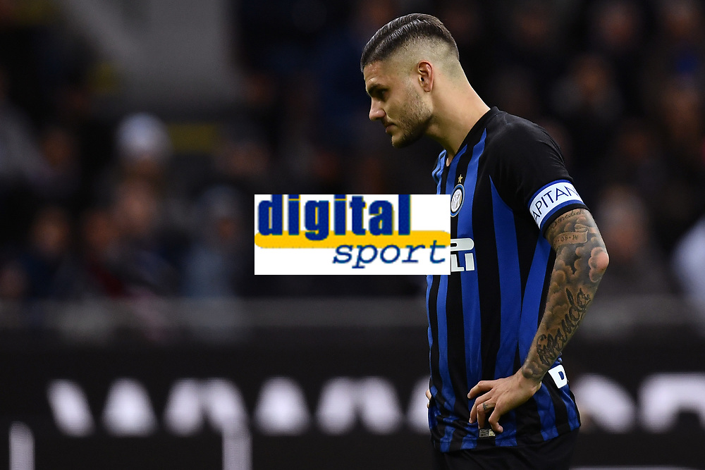 Mauro Icardi of Internazionale look dejected during the Serie A 2018/2019 football match between Fc Internazionale and AC Milan at Giuseppe Meazza stadium Allianz Stadium, Milano, October, 21, 2018 <br />  Foto Andrea Staccioli / Insidefoto