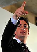 2011_06_13_Miliband_Coin_Street_SSI