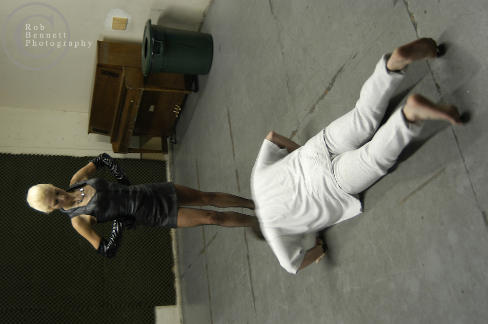 ".---.Fall 2002 ""Slavercise"" class with Mistress Victoria..---.ROB BENNETT"